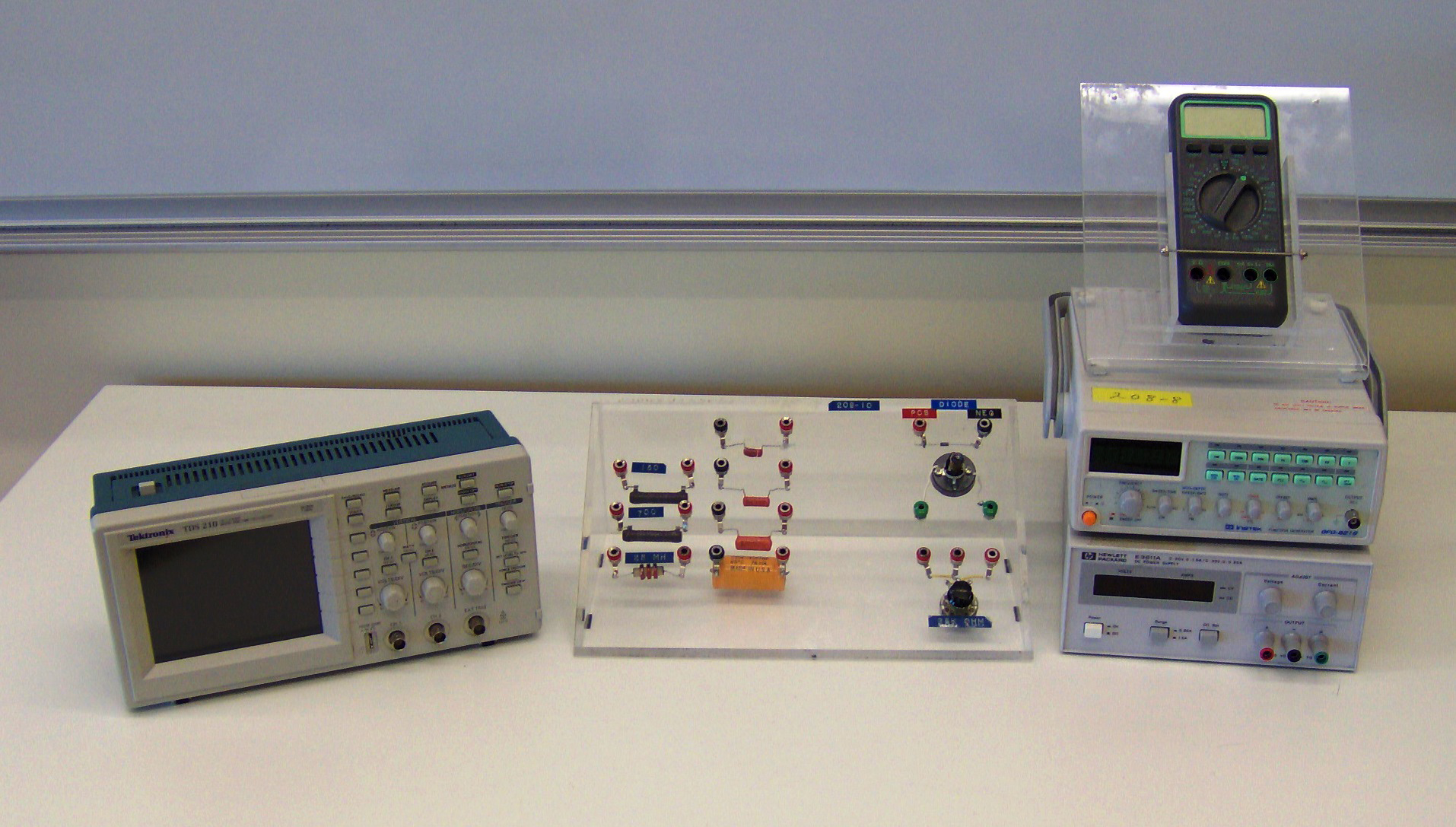 Introduction To The Oscilloscope And Rc Circuits Press On Switch Complete Circuit Record Values Apparatus